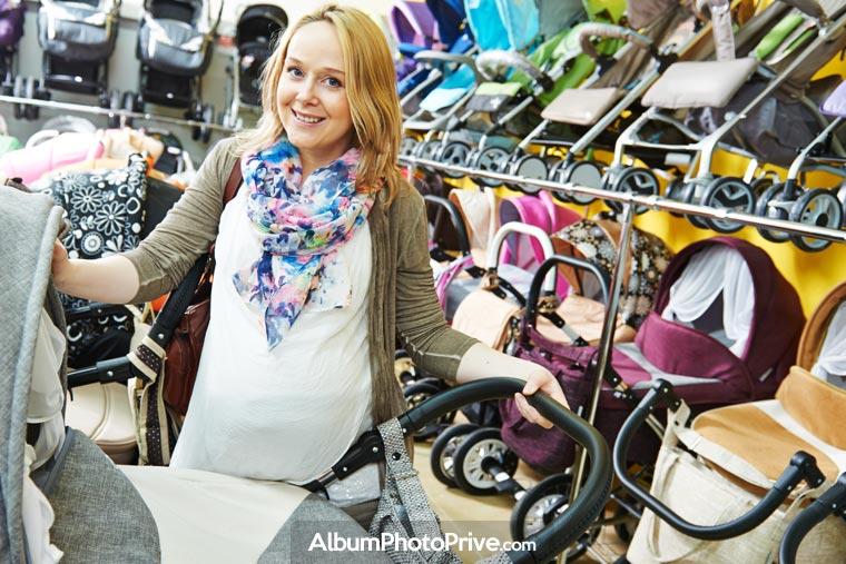Créer son journal de grossesse en ligne permet de partager des photos avec sa famille en toute sécurité
