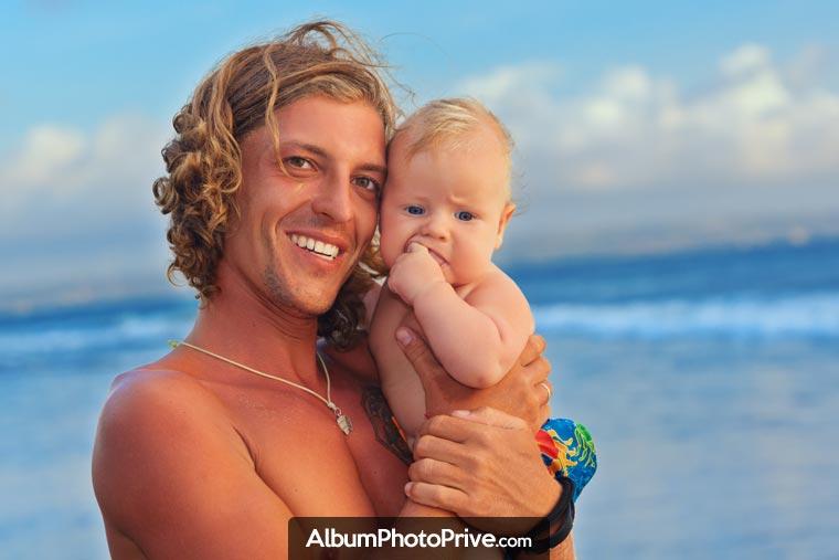 Attention si vous publiez des photos de votre voyage familial sur les réseau sociaux, les risques sont nombreux pour votre vie privée et le droit à l'image de vos enfants.