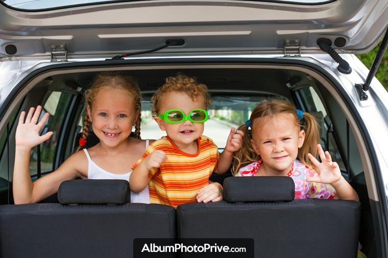 Faire un carnet de voyage sécurisé pour partager photos de vacances en famille avec proches et amis !