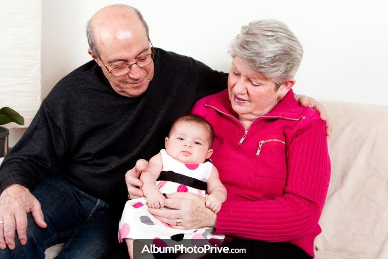 Stockez un nombre illimité de photos et partagez avec votre famille éloignée